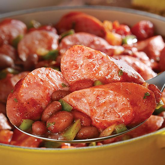 Spicy Eckrich Smoked Sausage Chili is rich with flavor #recipe