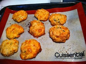 Joans Low Carb Living and Recipes: Low Carb Red Lobster Biscuits 1.6 carbs each Grain Free
