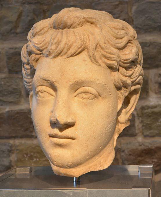 gladiator roman woman emperor midget