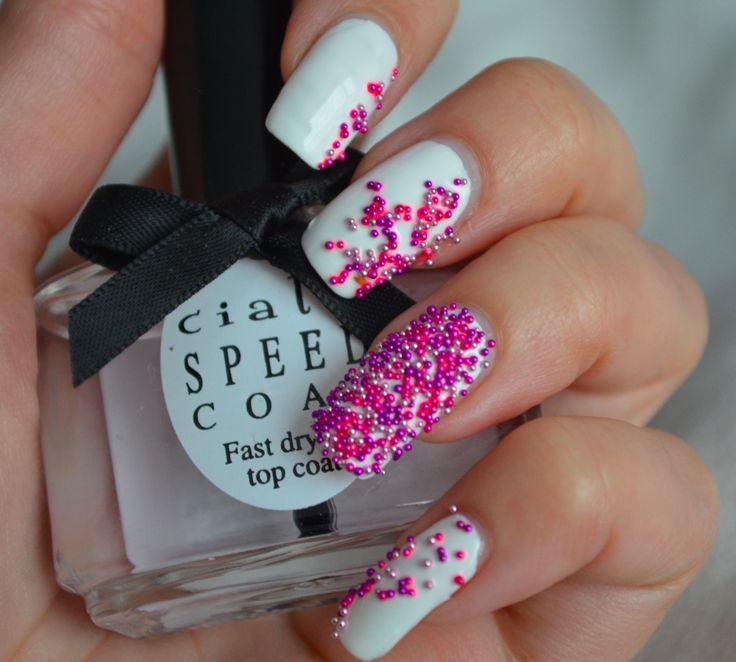 Roze kaviaar nagels
