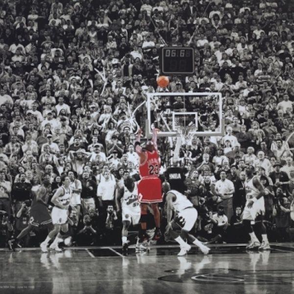 Michael Jordan Letzter Schuss Titelgewinn Letzter Schuss In Chicago Poster Poster Print   – Products