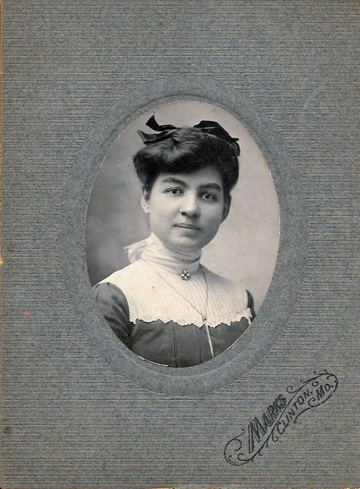 The name of this young lady is not known. Photo taken by the Marks studio in Clinton, Henry County, MO.