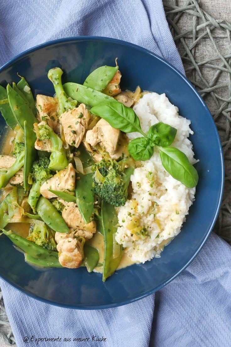 Grüne Hähnchen-Gemüse-Pfanne mit Basilikumsoße | Rezept | Kochen | Essen