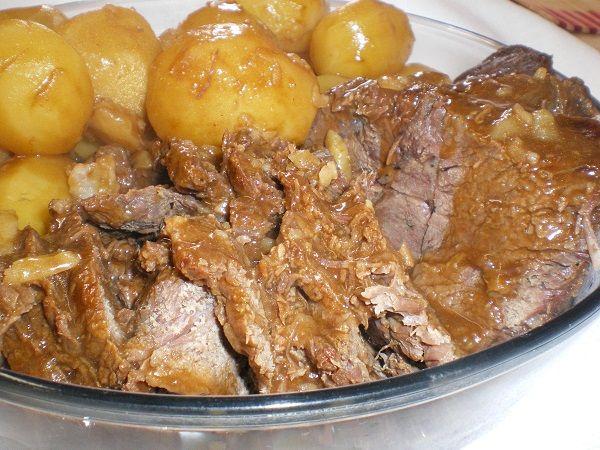 A Carne Assada na Panela de Pressão é uma opção prática e deliciosa para a sua refeição. Faça e surpreenda a todos com esse prato de dar água na boca! Veja