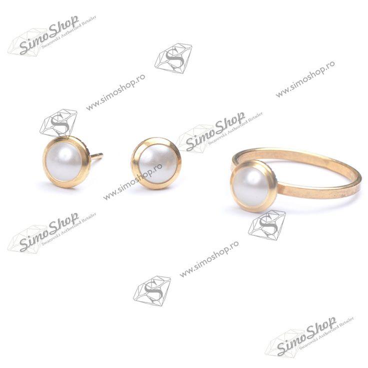Set cu inel si cercei din argint 925 placat cu aur si hotfix pearl swarovski.  #bijuterii #swarovski #swarovskicrystals #argint #simoshop