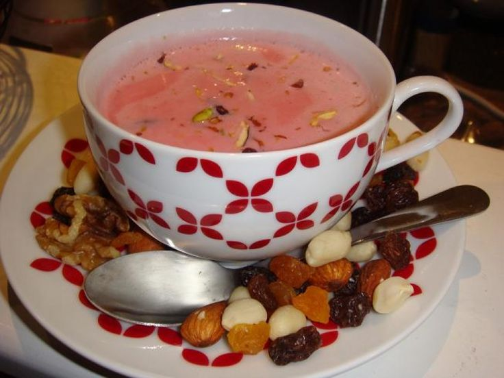 Kashmiri Chai Icemilk recipe. Chai prepared by green tea with a required amount of milk. Best served when garnished with nuts. Posted by Dawn Marie Martinali.