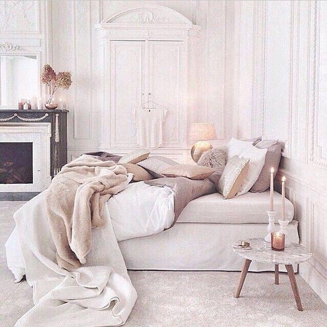   W e e k e n d   #bedroom #sovrum #fireplce #brasa #marmorbord #marbletable…