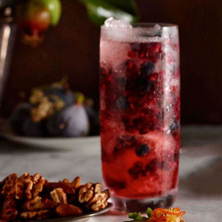 Thanksgiving recipes. Pomegranate Gin Fizz | Williams-Sonoma