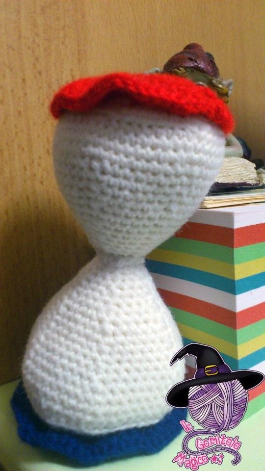A crochet hourglass