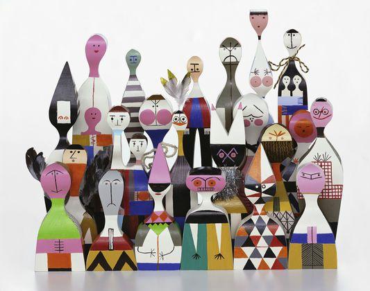 Wooden Dolls par Alexander Girard - 1952. Alexander Girard, né en 1907 à New York, compte parmi les personnalités marquantes de l'histoire du design américain de l'après-guerre, au même titre que ses amis proches et collègues George Nelson et Charles et Ray Eames.