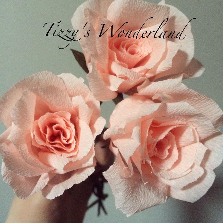In questo video vi mostro come realizzare una bellissima rosa di carta crespa! Buona Visione! ^_^ La carta crespa da me utilizzata è della CARTOTECNICA ROSSI...