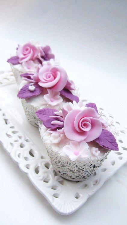 Flower Cupcake  www.decorazionidolci.it Idee e strumenti per il cake design