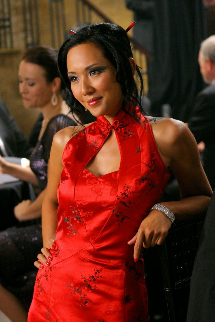 Malaysian Actress Steph Song in Red Cheongsam Qipao in Smallville Episode http://www.chinesefashionstyle.com/cheongsams-qipao