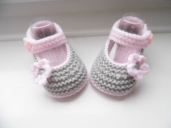Hand knitted baby booties/shoes for NEWBORN by HandmadebyPrisca, £4.50