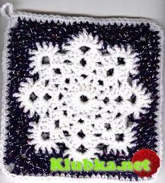 Квадрат со снежинкой, связанный крючком