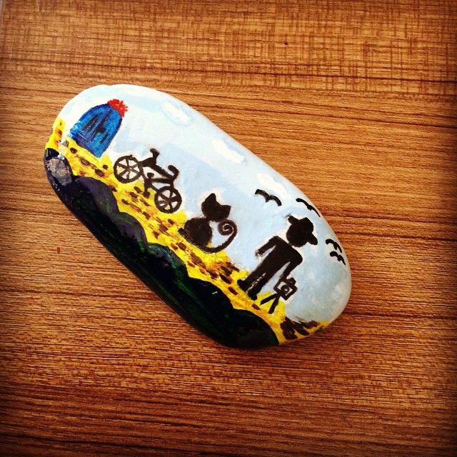 #stone #stoneart #tasboyama #taş #tas #art #sanat #akrilikboya #akrilik #boyama #bike #bisiklet #door #cat #kedi #seaside #man #birds #love #tuesday #instacolours #colours
