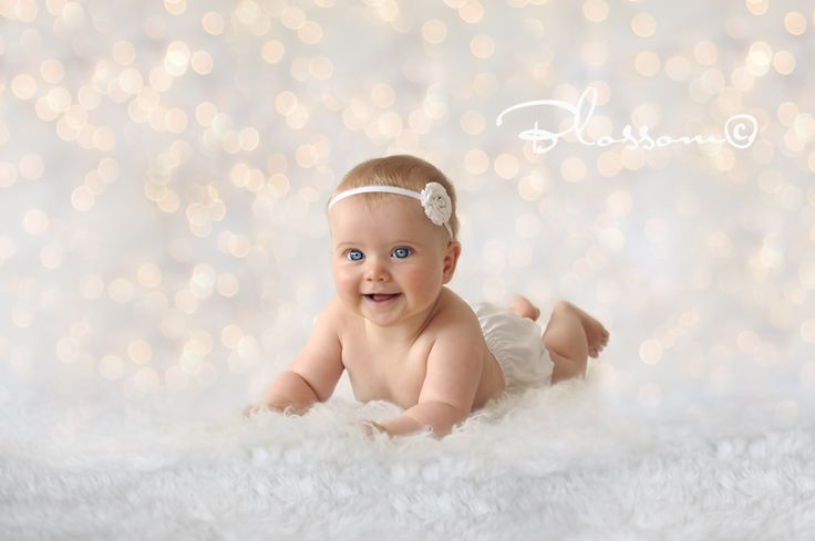 #christmas #christmasminissessions #christmasmini #minisessions #glimmer #baby #christmasbaby #xmasbaby #studio