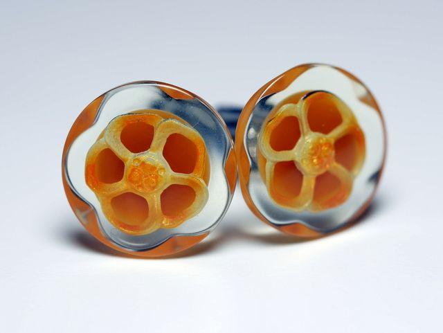 オレンジの華やかな花びらカフスボタン Advanced 056