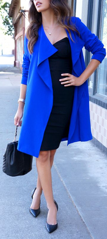 This blue coat  http://vips.downjackettoparea.com  Biggest sale of the season. CANADA GOOSE  JACKET///$169.99