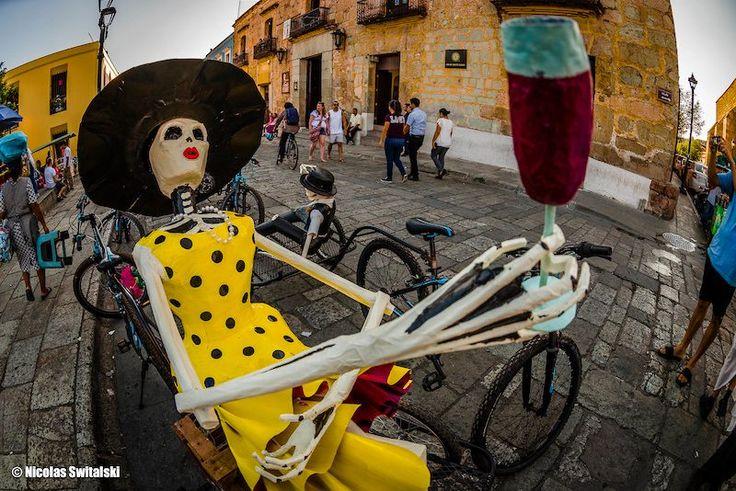 En Bikes & More - Ciclismo / POC México nos sentimos orgullosos de ser patrocinadores de la TranSierra Norte realizada en Oaxaca. Un evento enriquecido por los colores, sabores y paisajes que son un manjar para espectadores y ciclistas que participaron en ella del 1 al 4 de noviembre. Si no participaste este año te invitamos a que conozcas más sobre este evento a través de este excelente artículo y fotos por Nicolas Switalski. ¡Nos vemos en la TranSierra Norte 2018! #fromwhereiride…