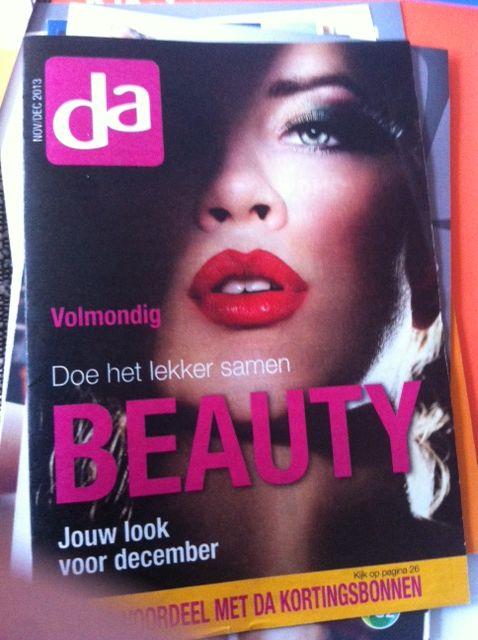 Dit is een brochure van DA. hierin staat ontzettend veel informatie over de beauty afdeling van de DA en elk product wordt uitgebreid uitgelegd. De voorkant van de brochure past bij wat het merk wilt uitstralen en de kleuren sluiten aan bij DA.