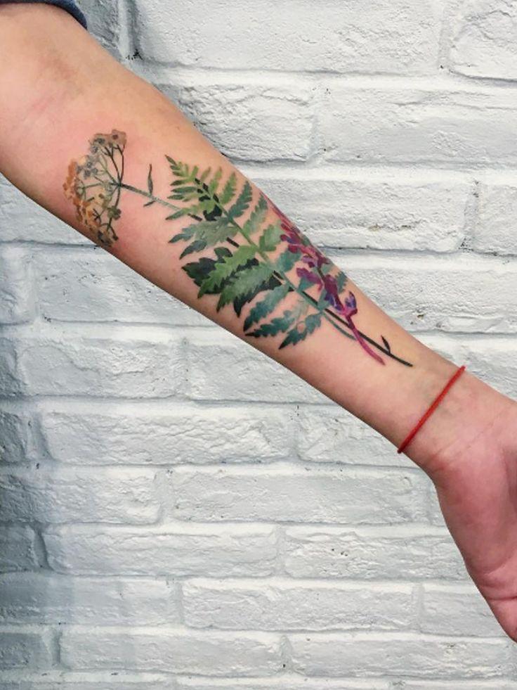 Wir lieben Blumen, Bäume und die Natur – wieso verewigen wir sie also nicht auf der Haut? So schön ist der grüne Tattoo-Trend!Tattoos