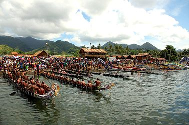 Over the course of the Kenu and Kundu festival, visitors will have the opportunity to view art and craft displays, string band competitions, and contemporary dances as well as traditional. http://www.blog.pagahill.com/#!Hello-Alotau/c2o6/563c50580cf23796cd8f8796