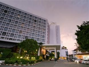 Montien Hotel Bangkok - http://bangkok-mega.com/montien-hotel-bangkok/