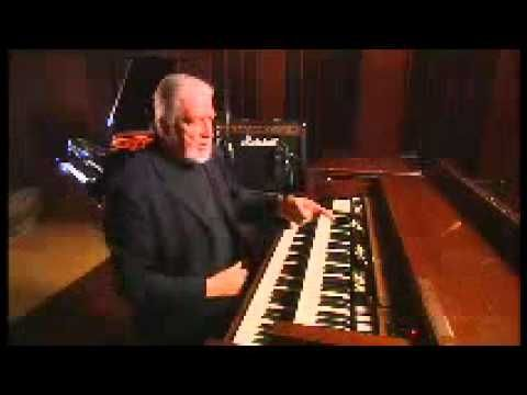 Jon Lord of Deep Purple discusses the signature hammond organ sound and playing behind Ritchie Blackmoore.