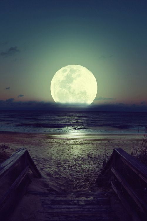 Amazing view of the moon