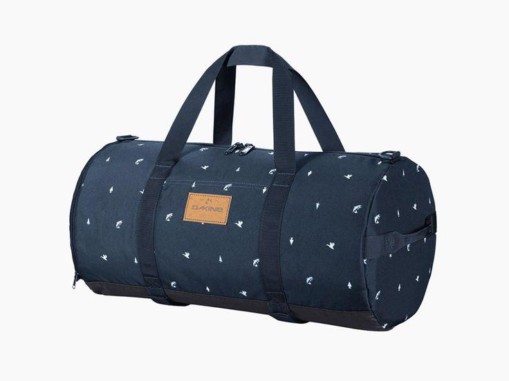 Dakine Park Duffle – blue travel handbag / Dakine Park Duffle – modrá cestovní taška  #dakine #blue #backpack #parkduffle  http://www.urbag.cz/batohy-tasky-dakine-vyber-kolekce-podzim-zima-2014/