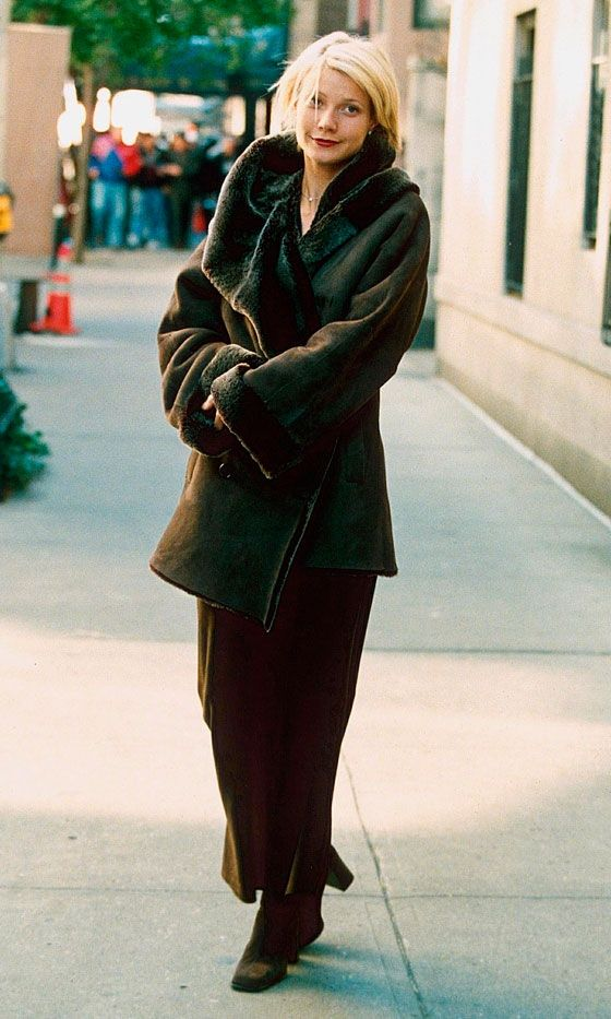 Gwyneth Paltrow in A Perfect Murder 1997.  I am so in love with this coat!