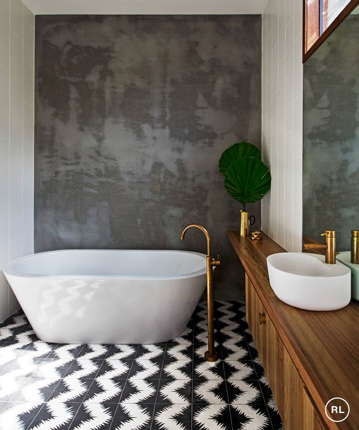 Shortlisted for two house/design awards last year for this home, Victorian architects Benjamin Stibbard and Kate Fitzpatrick had plenty to celebrate! Check out more in September issue of Real Living pg 192 | Photography trevor mein & auhaus architecture (bathroom)