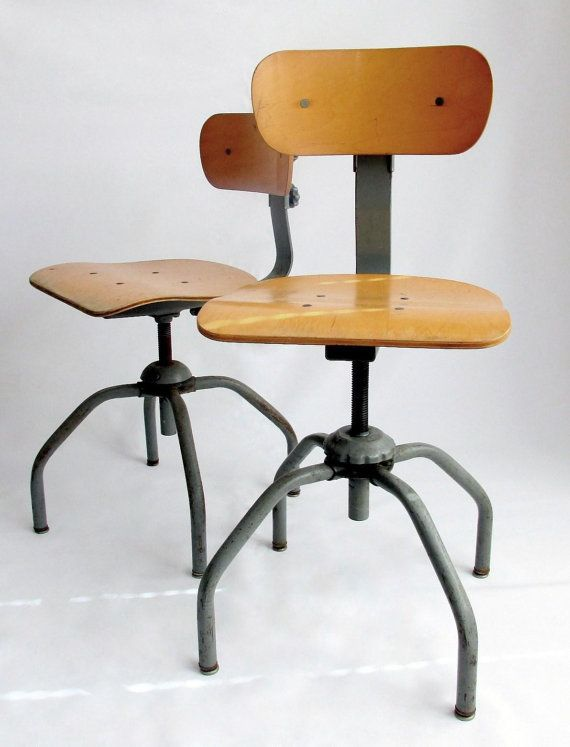 Singer Industrial Swivel Chair Factory Chair Bar par owlsongvintage, $125.00