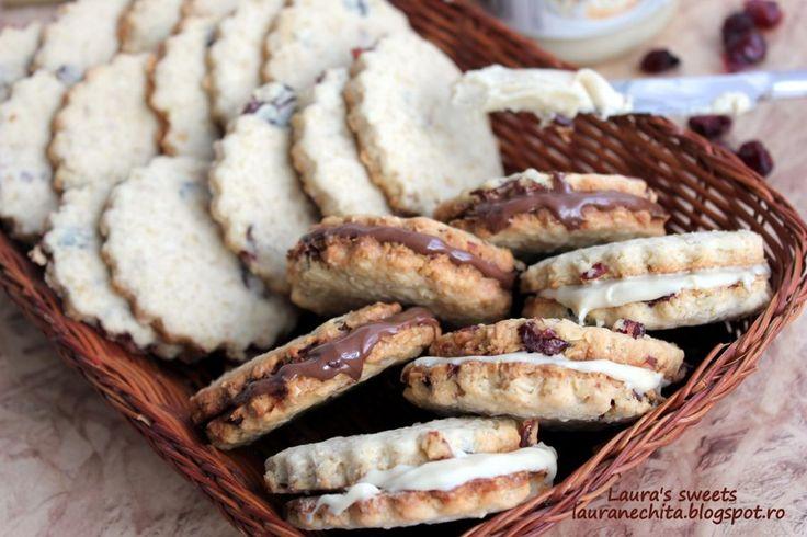 Reteta culinara Biscuiti cu unt si ovaz din categoria Dulciuri. Cum sa faci Biscuiti cu unt si ovaz