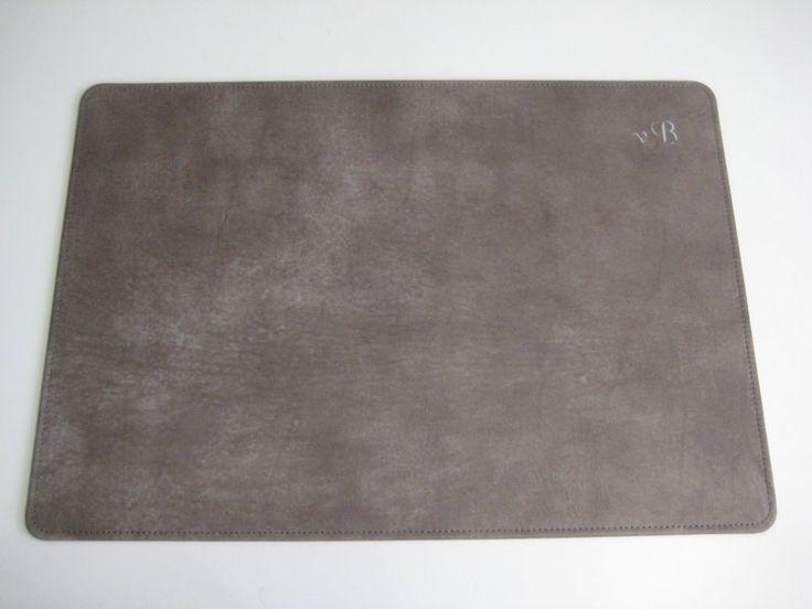 Schreibtischunterlage Leder 70x50 cm in 24 Farben von Wintergerst auf DaWanda.com
