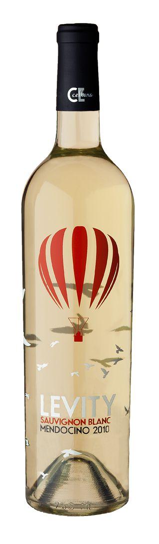Levity Sauvignon blanc - Me gusta la idea de etiqueta transparente. No transmite concepto de premium.