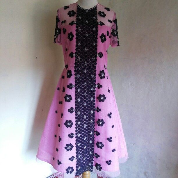 Dress pinkieeeeees by dKurnia boutique