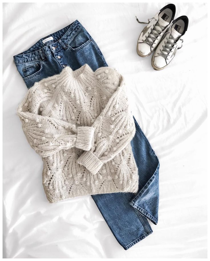 """6,452 mentions J'aime, 66 commentaires - Clara (@theworkinggirl) sur Instagram : """"sunday attire cable knit #ullajohnson - jeans #aninebing - shoes #goldengoose #flatlay…"""""""