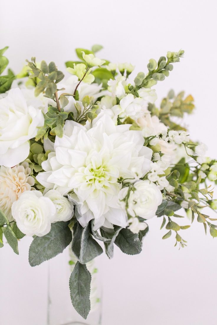 700+ best Flowers to Hold - White & Ivory Bouquets images on ...