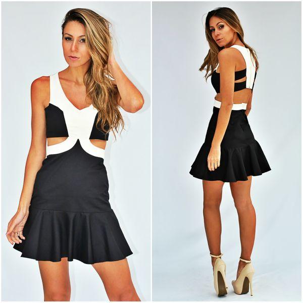 Vestido preto e branco: Winter 2016, Beautiful Woman, Ropas Lindas, Dress, Inspiration Red, My Style