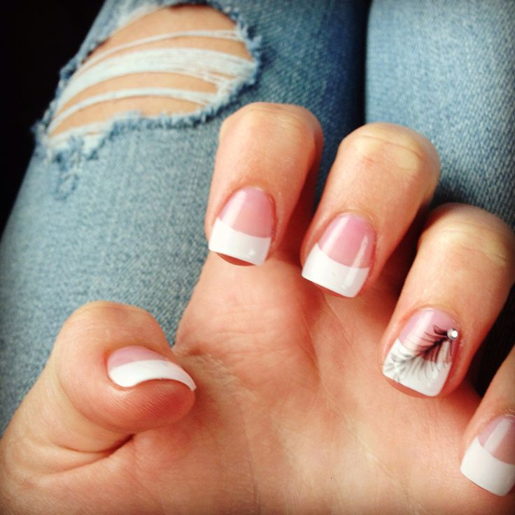 Got my nails done today! French tip with a feather, I'm in love ❤️