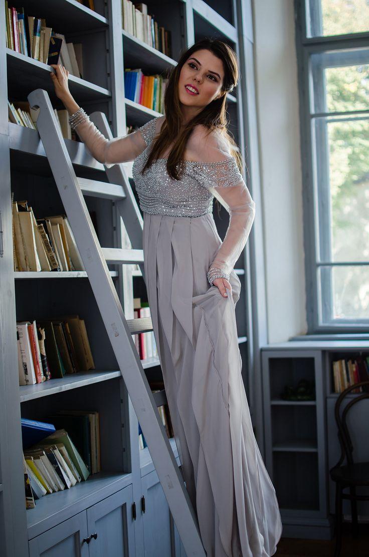 Dorina, blogger la Another Side of Me, in rochia  cu aplicatii Terani Couture.