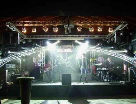 Hiroshima Mon Amour nasce come associazione culturale nel 1986, per agire nel campo della produzione e dell'organizzazione di spettacoli e di eventi culturali.  L'attività di Hiroshima Mon Amour spazia dall'ideazione artistica all'organizzazione e allestimento di eventi, in prevalenza concerti con artisti di richiamo nazionale e internazionale.Scopri tutti gli eventi in programma!