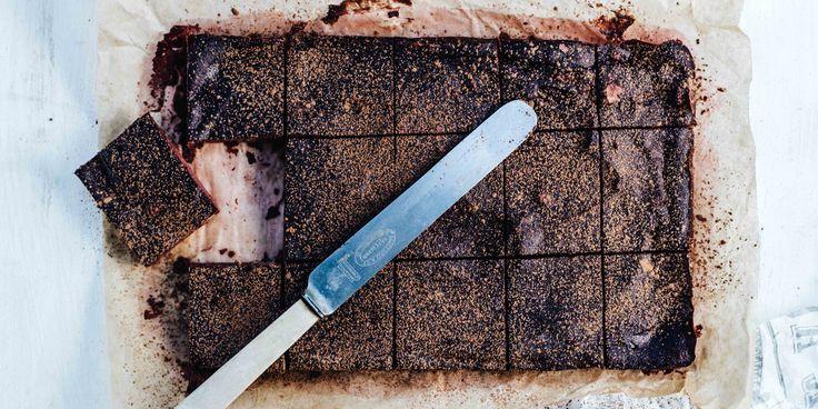 Chocolate + Walnut Brownies via @iquitsugar