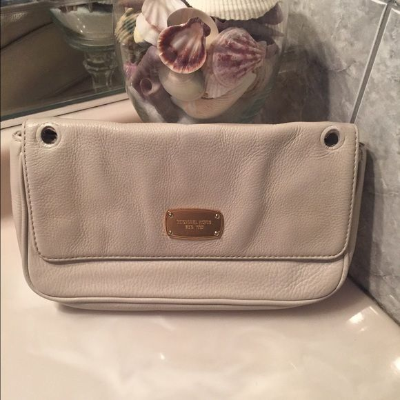 1000 ideas about michael kors clutch on