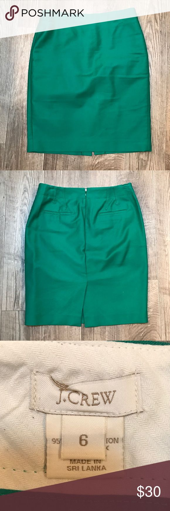 Size 6 J. Crew Green Pencil Skirt. Like new. Size 6 J. Crew Green Pencil Skirt. Like new. J. Crew Skirts Pencil