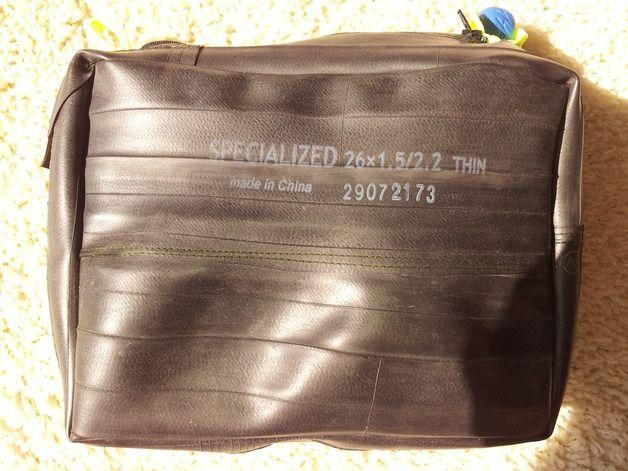 Kulturbeutel - Waschtasche Kulturtasche aus Specialized Schlauch - ein Designerstück von Radwelt-Fliehkraft bei DaWanda