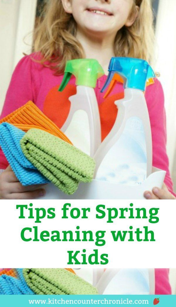 It's time to get the kids excited about cleaning - seriously! Super helpful tips for spring cleaning with kids helping. #springcleaning #cleaningwithkids #ecofamily #ecoliving #greenlivingtips #springcleaningtips #tween