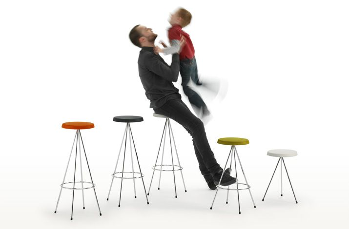 http://www.mobles114.com/productes/seients/Tamborets/nuta.html